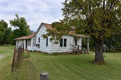Henryetta Single Family Home For Sale: 302 E Gentry Street
