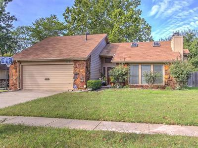 Broken Arrow Single Family Home For Sale: 2304 S Beech Avenue