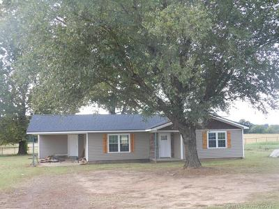 Spiro Single Family Home For Sale: 19133 Us Hwy 271