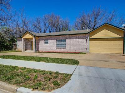 Tulsa Single Family Home For Sale: 1107 E Queen Street