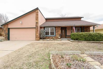 Tulsa Single Family Home For Sale: 3425 S 148th East Place