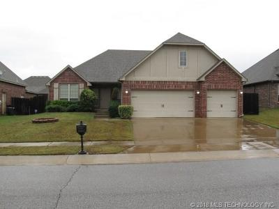 Broken Arrow Single Family Home For Sale: 2611 S 14th Place