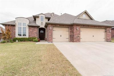 Owasso Single Family Home For Sale: 9407 N 95th East Place