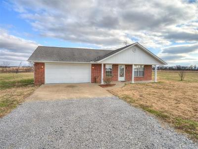 Okmulgee Single Family Home For Sale: 8602 N 300 Road