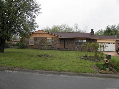 Wagoner Single Family Home For Sale: 1505 Berkley Boulevard