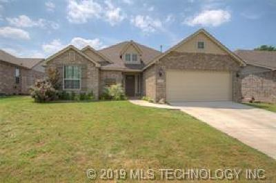 Sand Springs Single Family Home For Sale: 5348 Skylane Place