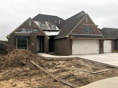 Broken Arrow Single Family Home For Sale: 2410 S 15th Place