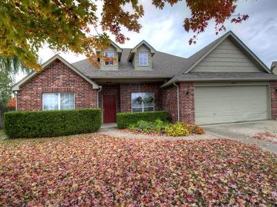 Owasso Single Family Home For Sale: 9004 N 154th East Court