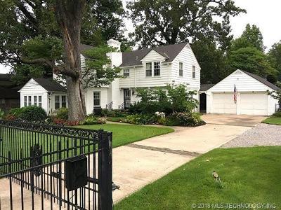 Tulsa Single Family Home For Sale: 1727 E 31st Street