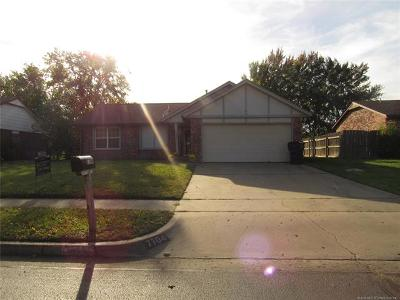Owasso Single Family Home For Sale: 7704 N 122nd East Avenue
