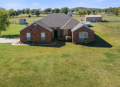 Claremore Single Family Home For Sale: 24472 Meadow Circle Road