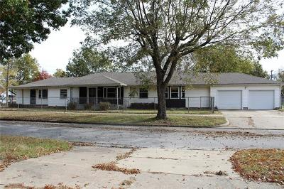 Okmulgee Single Family Home For Sale: 319 N Sherman Avenue