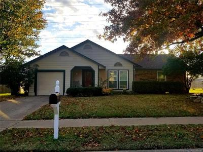 Owasso Single Family Home For Sale: 8804 N 119th East Avenue