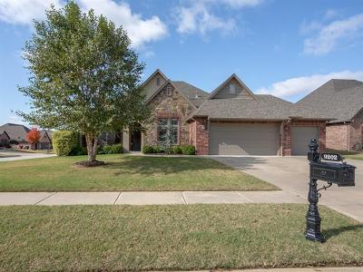 Owasso Single Family Home For Sale: 9202 N 95th East Place