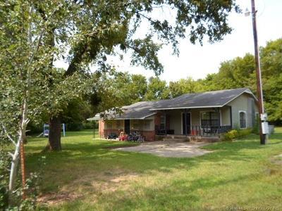 Peggs OK Single Family Home For Sale: $132,500