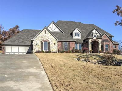 Sand Springs Single Family Home For Sale: 1722 N Old North Place