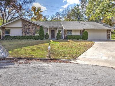 Tulsa Single Family Home For Sale: 3308 E 76th Street S