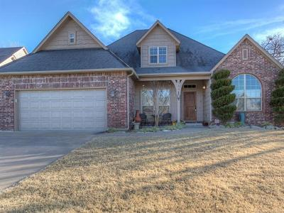 Sand Springs Single Family Home For Sale: 734 W 39th Street