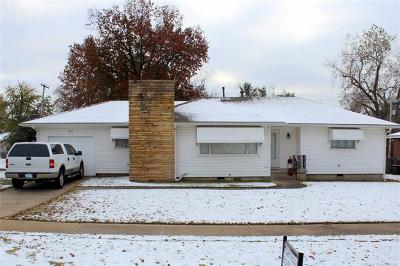 Broken Arrow Single Family Home For Sale: 717 N Main Street