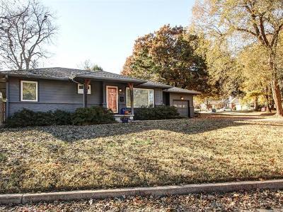 Tulsa Single Family Home For Sale: 3730 E 38th Street