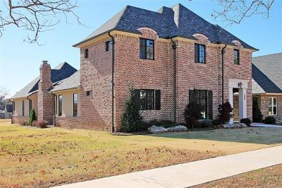 Tulsa Single Family Home For Sale: 2210 E 17th Street