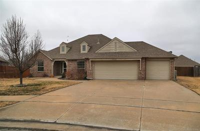 Broken Arrow Single Family Home For Sale: 3300 E Emmitsburg Place