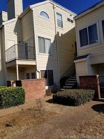 Tulsa Condo/Townhouse For Sale: 1808 E 66th Place #D 206