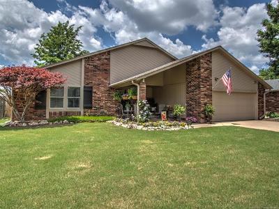 Tulsa Single Family Home For Sale: 10908 S 83rd East Avenue
