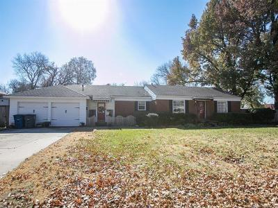 Tulsa Single Family Home For Sale: 1402 E 33rd Street