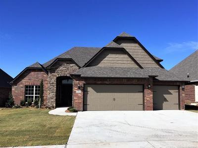 Broken Arrow Single Family Home For Sale: 2304 S 15th Street