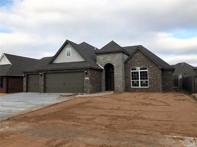 Broken Arrow Single Family Home For Sale: 2407 S 16th Court E