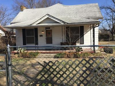 Okmulgee Single Family Home For Sale: 403 N Taft Avenue