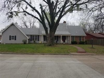 Pryor Single Family Home For Sale: 1901 Brookfield Terrace