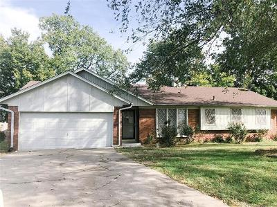 Claremore Single Family Home For Sale: 1930 N Sioux Avenue