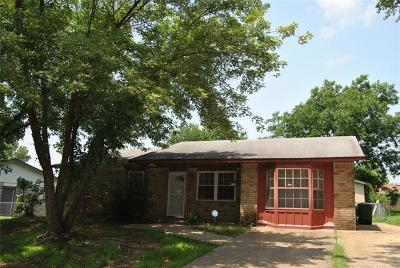 Bristow Single Family Home For Sale: 1130 S Oak Street