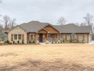 Claremore Single Family Home For Sale: 17061 S Creekwood Trail