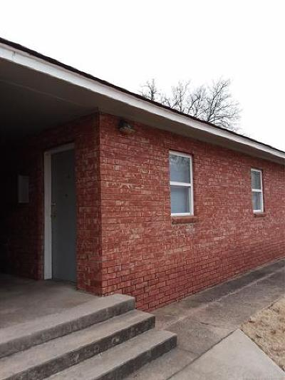 Rental For Rent: 827 E Shawnee Street #C