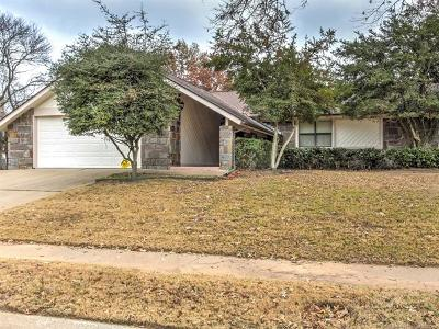 Broken Arrow Single Family Home For Sale: 7305 S Peach Avenue