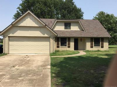 Owasso Single Family Home For Sale: 15605 E 94th Street North