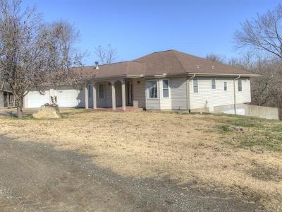 Claremore Single Family Home For Sale: 10705 E Canyon Oaks Road