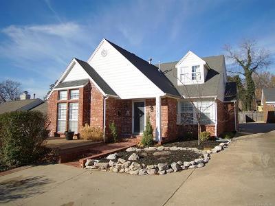 Tulsa Single Family Home For Sale: 1425 E 21st Street