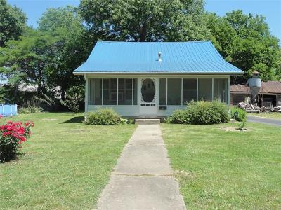 Nowata Single Family Home For Sale: 337 S Locust Street
