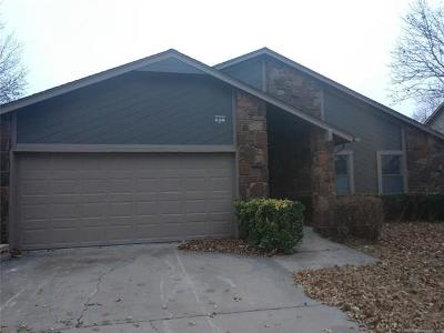 Broken Arrow OK Single Family Home For Sale: $142,900
