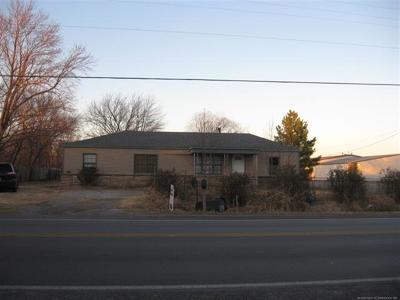 Tulsa Single Family Home For Sale: 1817 E 66th Street North