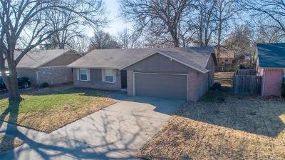 Broken Arrow OK Single Family Home For Sale: $112,900