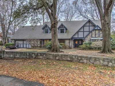 Tulsa Single Family Home For Sale: 1705 E 45th Place