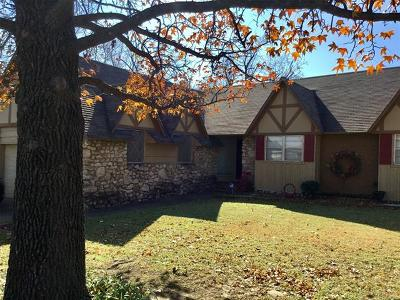 Tulsa Single Family Home For Sale: 8212 E 23rd Street