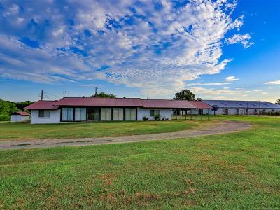 Wagoner Single Family Home For Sale: 4220 W Hwy 51