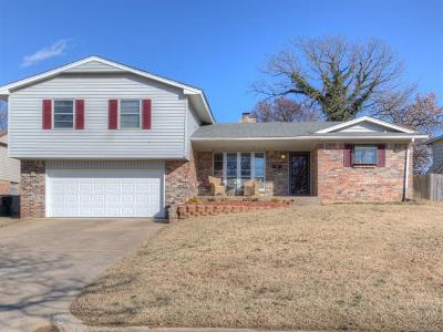 Sapulpa Single Family Home For Sale: 1203 S Colleen Drive