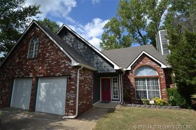 Broken Arrow Single Family Home For Sale: 24055 King Court